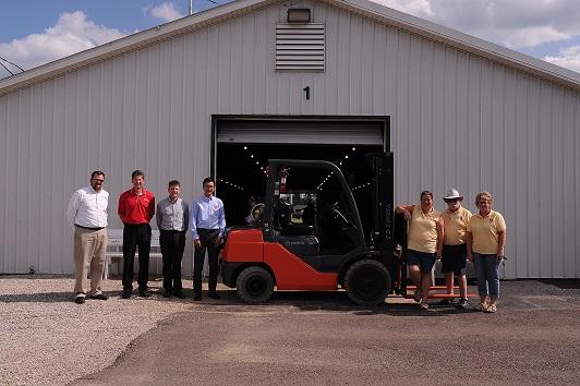 Toyota Donates Forklift to Bartholomew County Fair2